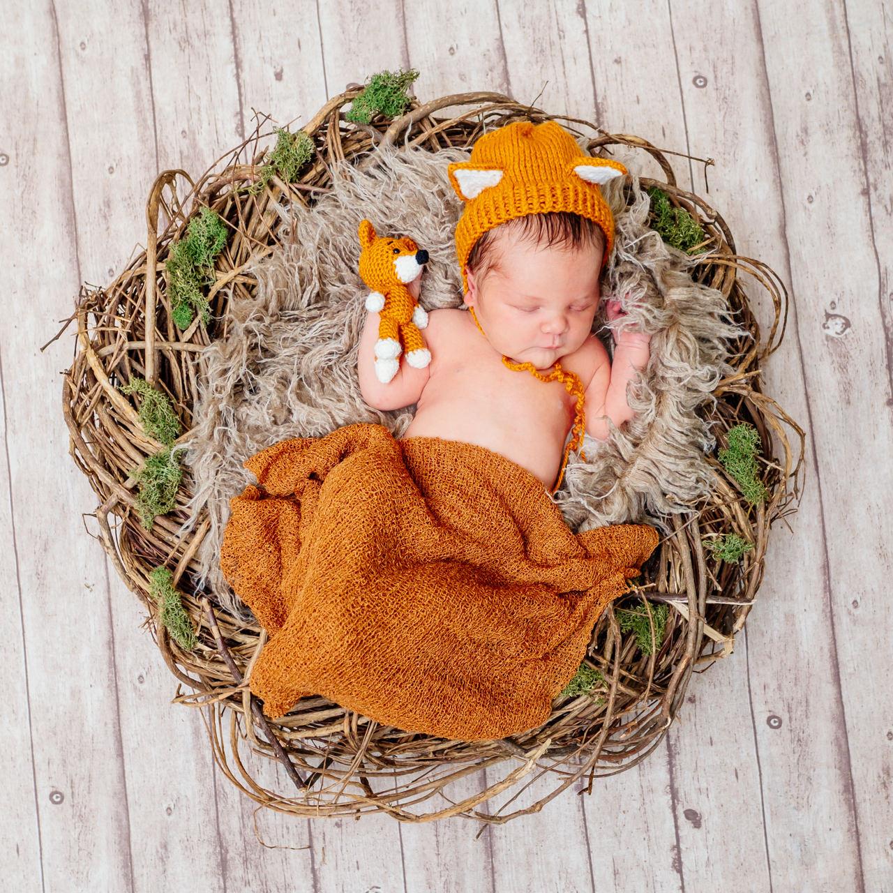 Babyfoto im Fuchskostüm von Newbornfotos Dresden