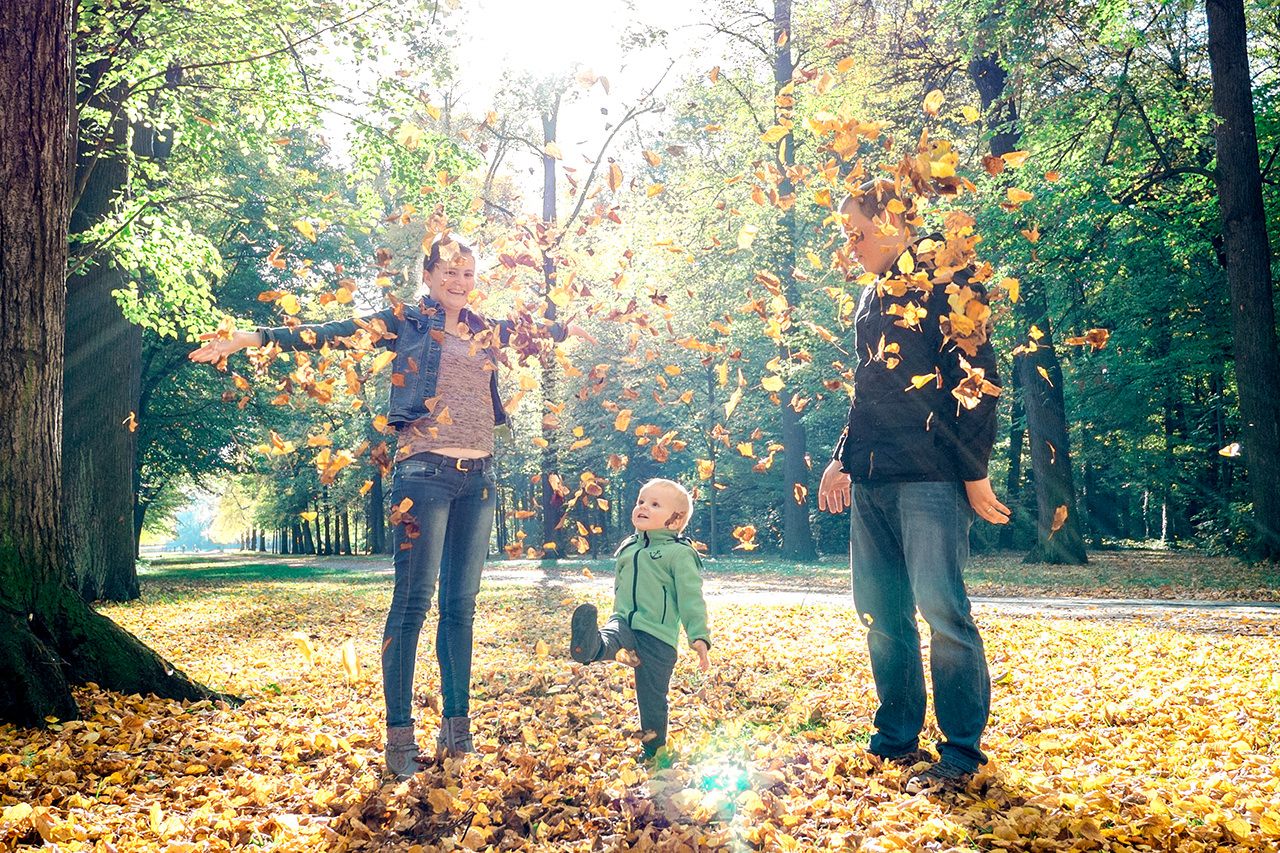 Familie im Herbst Familienfotos Dresden